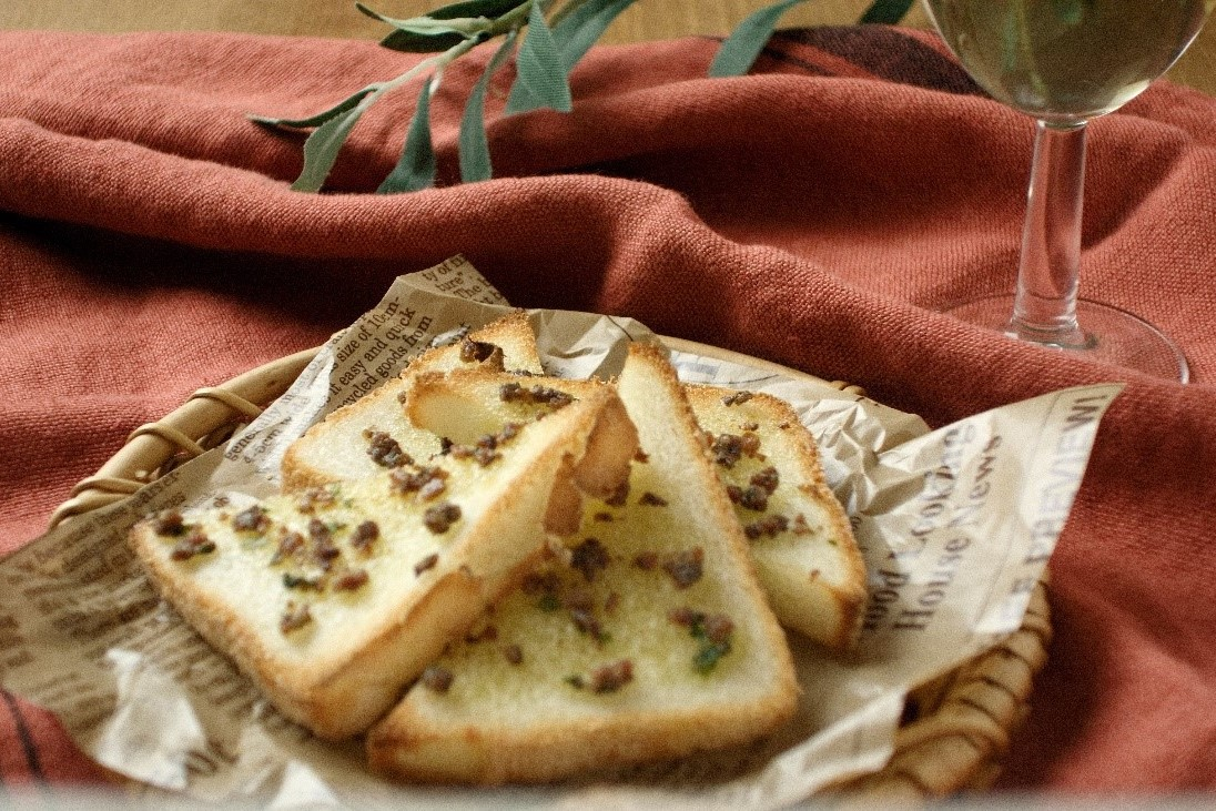 米粉パンでお手軽おつまみ『アンチョビトースト』