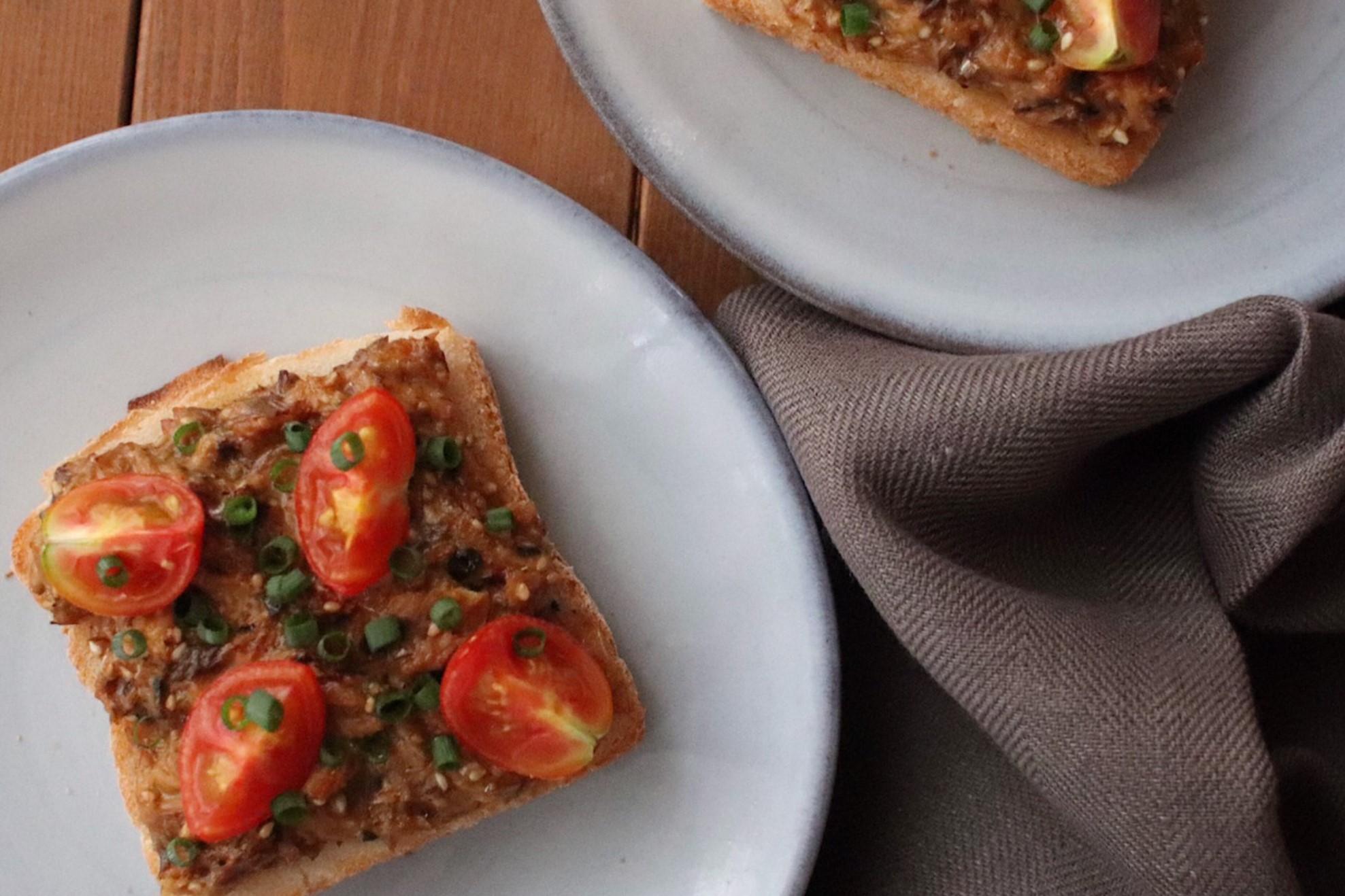 サバ味噌煮缶で簡単!『こくうまサバ味噌トースト』